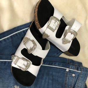 NWOT White Buckle Sandals